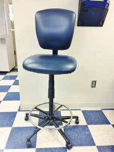 "WOW MSRP $800 United Chair Co ""Radar Collection"" Extended Height Ergonomic Industrial Laboratory Stool Chair - Excellent Condition!"