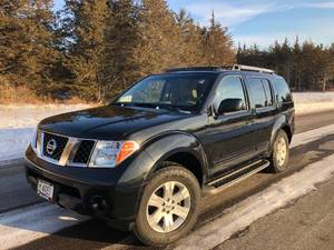 2007 Nissan Pathfinder LE // Fully Loaded AWD 3rd Row Vehicle