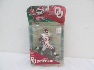 Oklahoma Sooner Adrian Peterson figure
