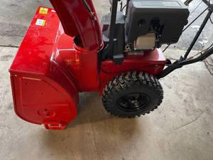 "Toro 28"" (71 cm) Power Max HD 828 OAE 252cc Two-Stage Electric Start Gas Snow Blower (38838) in good conditions"