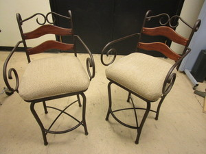 MINSON SWIVEL BAR STOOLS