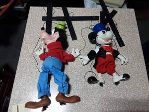2-Vintage Disney Marionettes (Mickey and Goofy)