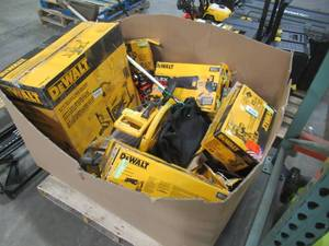 WHOLESALE MIXED PALLET OF DEWALT POWER TOOLS AND OTHER OUTDOOR POWER!