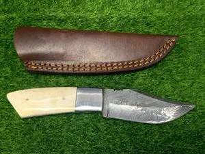 "Damascus Steel Knife Full Tang with Sheath 7 1/2"" Overall Length"