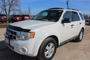 2009 Ford Escape XLT - 4WD - 2 OWNERS -