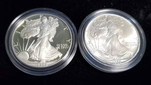 1986 US MINT 2 COIN AMERICAN SILVER EAGLE SET 1-PROOF 1-MINT STATE