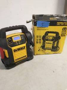 DEWALT 1400 Peak Amp Portable Car Jump Starter with Digital Compressor