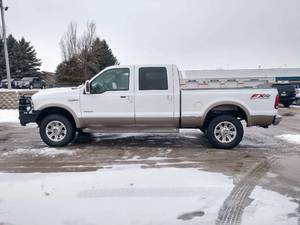 2006 Ford F-250 Crew Cab King Ranch (Short Box w/5th Wheel Hitch)