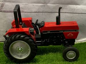 "Case International 695 Ontario Toy Show Tractor 8"" Long"