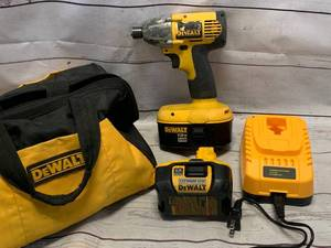 Dewalt DW056 Impact Driver, Two Batteries, Charger, Bag