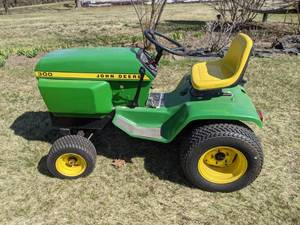1970s John Deere 300 Lawn Tractor with Deck