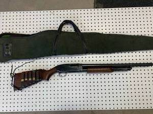 Winchester Model 25  12 Gauge Shotgun with Case