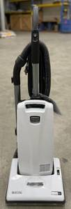 Maytag M700 Vacuum With Accessory Kit & Media Bags