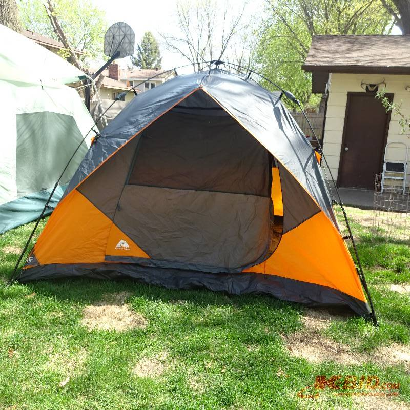 Ozark Trail 6 Person Instant Dome Tent 10 X9 .u0027 & K u0026 C Auctions Blaine 29 in Blaine Minnesota by K u0026 C Auctions