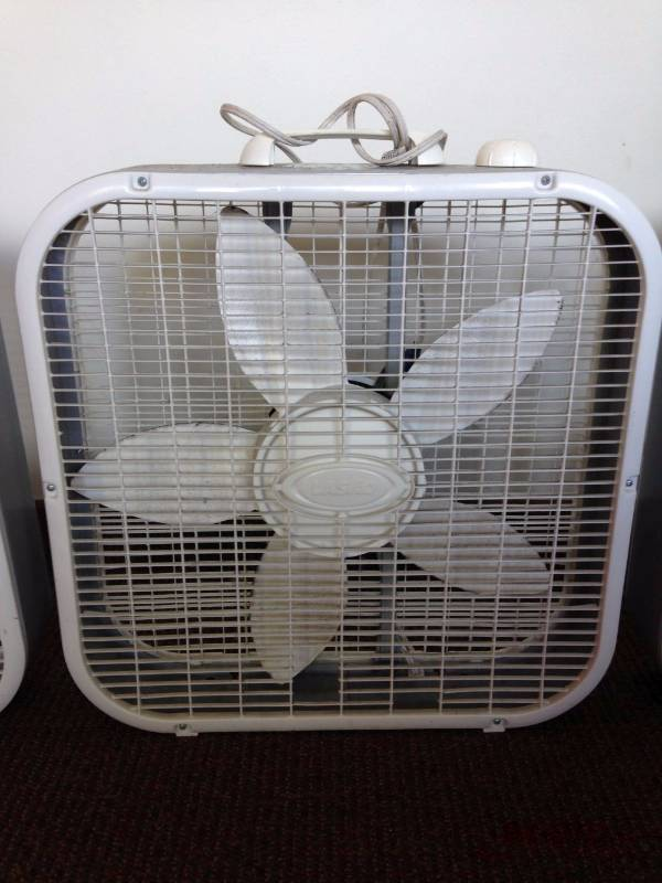 Box Fans On Sale : Lot of lasko floor standing box fans s moving