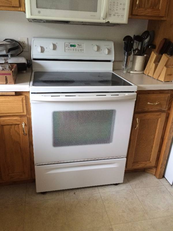 Whirlpool Glass Top Electric Stove | Sartell Estate Auction | K-BID