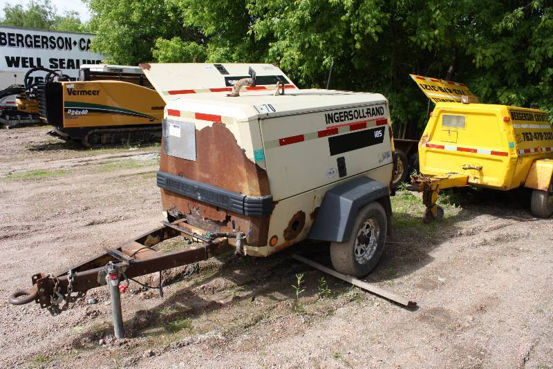 Ingersoll Rand 185 Cfm Tow Along Air Compressor W Loop