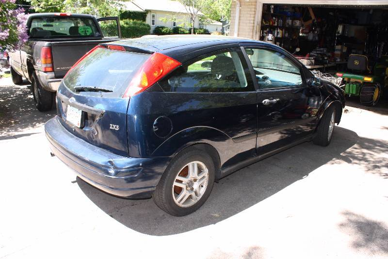 2001 ford focus zx3 no reserve minneapolis car auction. Black Bedroom Furniture Sets. Home Design Ideas