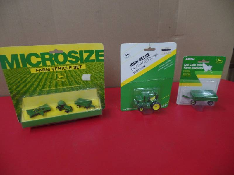 Farm Vehicles | One Man's John Deere & Ertl Collection | K-BID