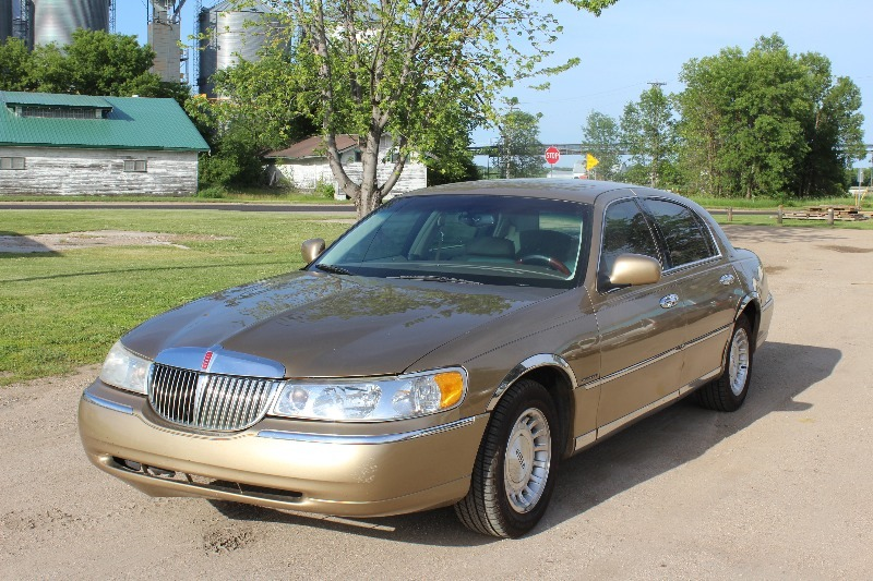 1998 Lincoln Town Car Executive Series 95 564 Miles 1998 Lincoln