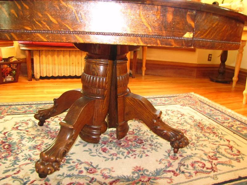 Antique Claw Foot Tiger Oak Dining Room Table Twc