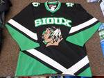 Mens Size Medium ND Fighting Sioux ...