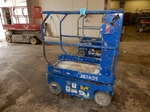 UPRIGHT TM 12 Scissor Lift