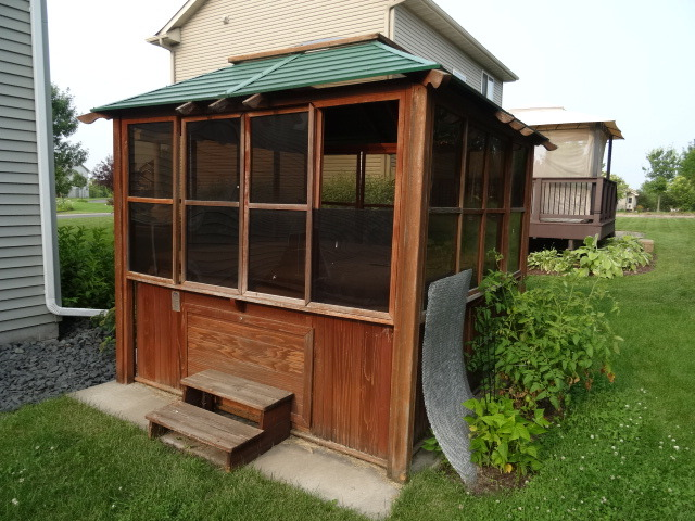 Cal Spas Hot Tub And Gazebo K C Auctions Watertown