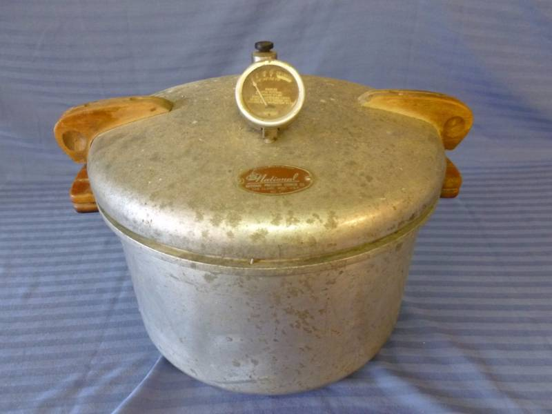 Cooker For Snowmobile ~ Large vintage national pressure cooker manannah