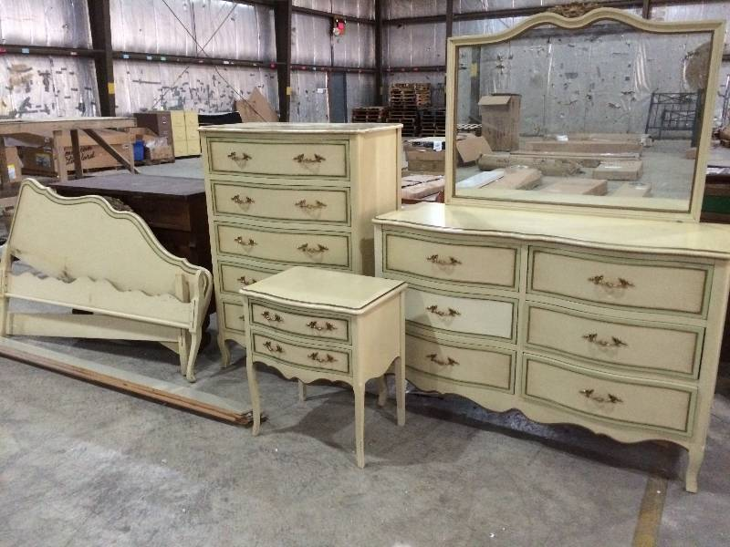 Six Piece Vintage Drexel French Provincial Bedroom Set St Cloud Retail Returns Antiques Basketball Flooring Mid Century And More K Bid