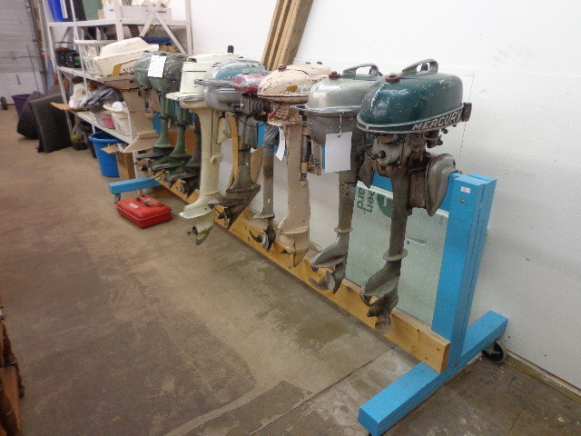 Lot of 10 vintage motors with large outboard rack for Outboard motor repair training online