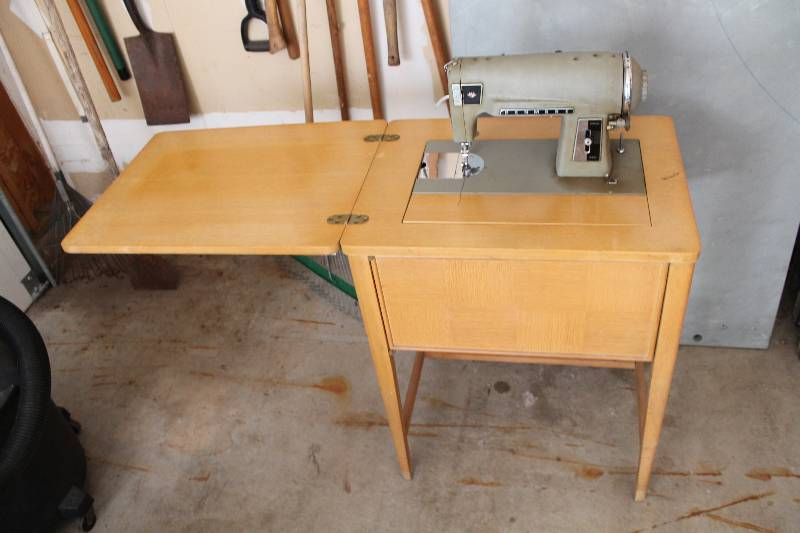 Superieur Vintage Kenmore Sewing Machine U0026 Stand; Wooden Stand W/Flip Up Table Top;  Kenmore Model 117580. | Burnsville Estate Sale #1 | K BID