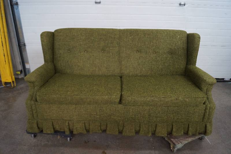 Sofa sleeper moorhead liquidation august consignment 3 for Liquidation de sofa