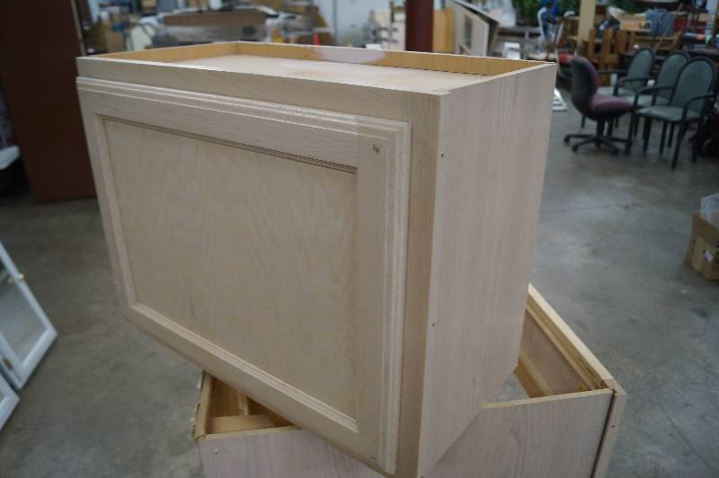 Moorhead Liquidation Remodel Cabinet & Cupboard Auction #1 in ...