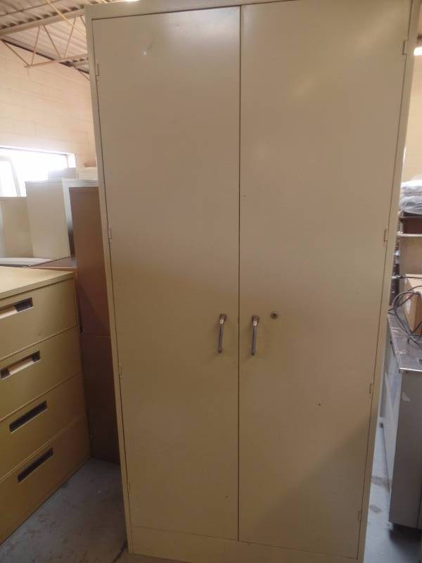 A Large Steel Storage Cabinet With 4 Adjule Shelves By All Measures 3 Ft Wide X 1 2 Deep 6 Tall