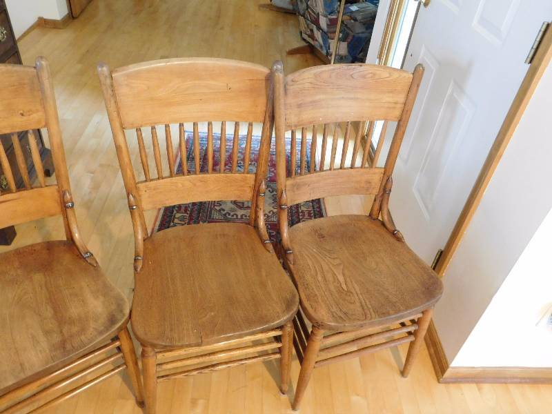 Four Antique Dining Room Chairs See Photos These Are Very Nice And Being Used Currently Twc