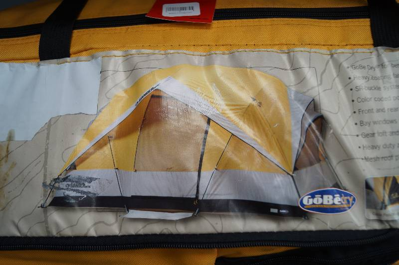 Gander Mountain Grizzly Den 8 family tent. & Auction Listings in Minnesota - Auction Auctions - Moorhead ...