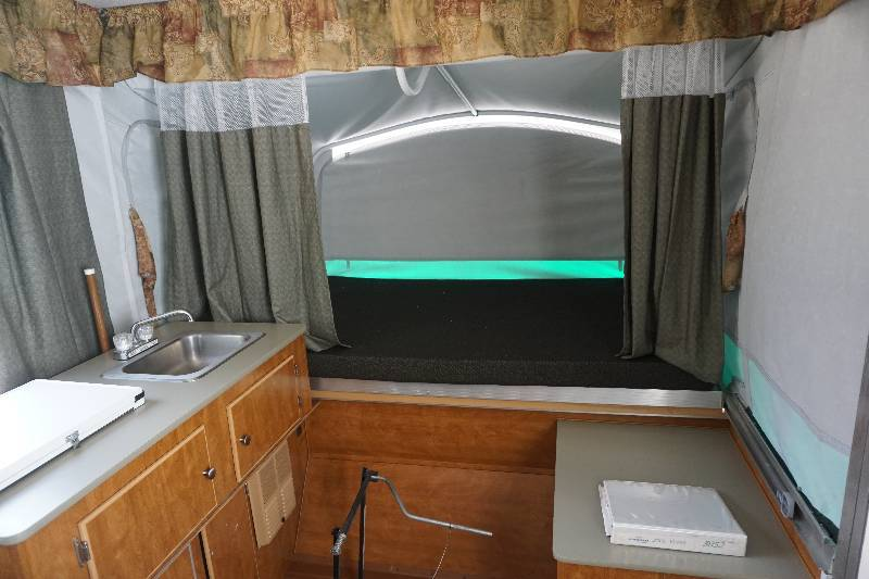 2005 Fleetwood Destiny Yuma Pop Up Tent Camper Trailer