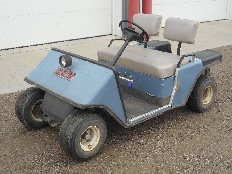 EZ-GO Gas Powered Golf Cart, Single... | LE September Consignments on gas operated golf carts, replica golf carts, battery golf carts, street legal gas golf carts, home golf carts, aircraft golf carts, ezgo golf carts, gas golf cart parts, hydraulic golf carts, diesel golf carts, harley davidson 3 wheel golf carts, used golf carts, indoor golf carts, surplus golf carts, mobility golf carts, jets golf carts, self propelled golf carts, robotic golf carts, toro golf carts, custom golf carts,
