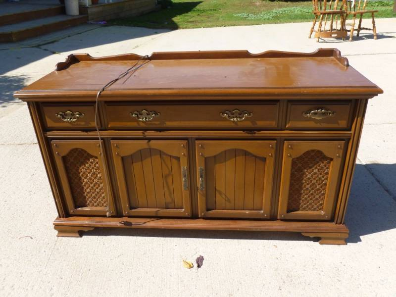 Vintage Console Stereo | Manannah #182 Furniture Sale Spectacular