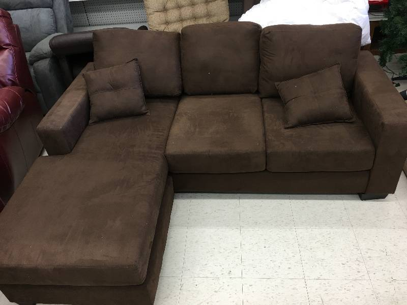 Hayden sectional sofa with reversible chaise retail 599 for Liquidation de sofa