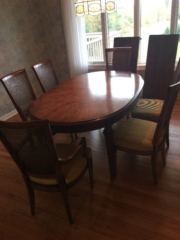 Dining room table by henredon fine furniture table model 20 g220 chairs model 20 6220 Model home furniture auction mn