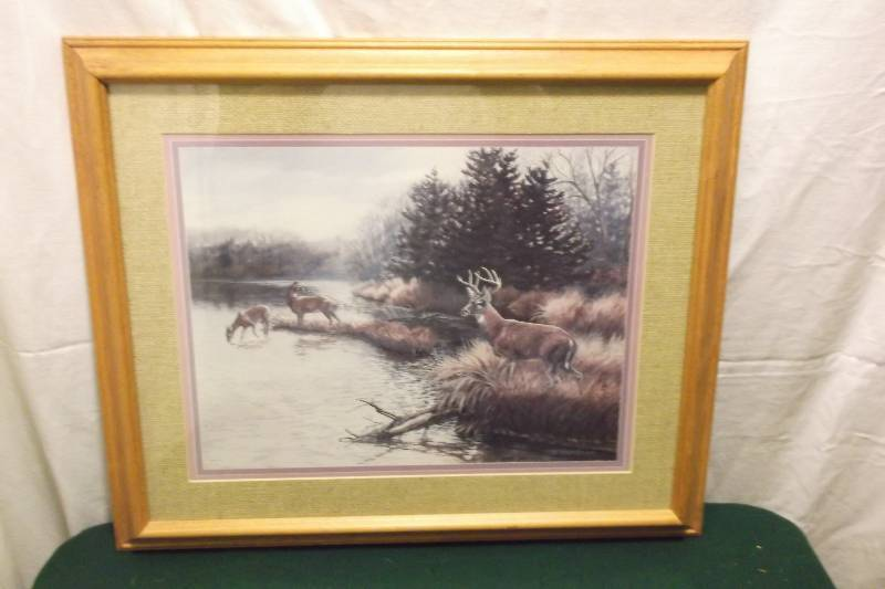 beautiful deer print in solid oak frame measuring 23 58 l x 19 58 h very nice print